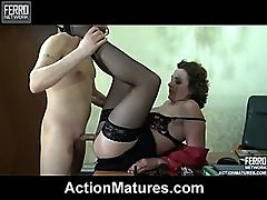 Mature lady-boss having a hardcore session