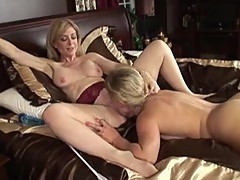 Dyke paramour Nina Hartley gets it Sensuous and fierce onto sofa close by her honey