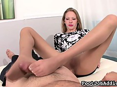 Sexy footjob ends in cum