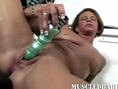 Toy fucking milf orgasms after her workout