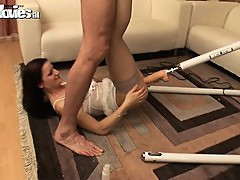 Brunnete girl gets fucked by a machine