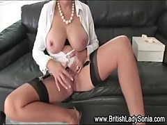 Stocking milf Lady Sonia fingering