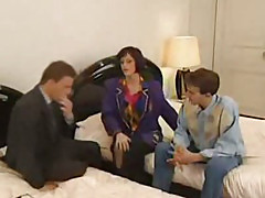 Milf gets fucked by 3 guys at the same time
