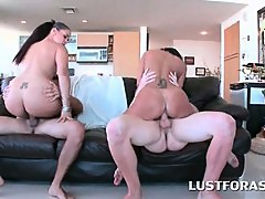 Hot ass hookers giving BJ and fucking in foursome