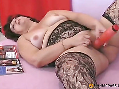 Aunt in stockings fuck her pussy