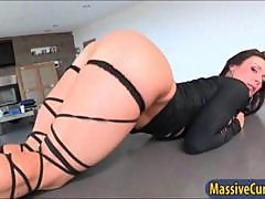 Big ass MILF Kendra Lust gets nailed in bed