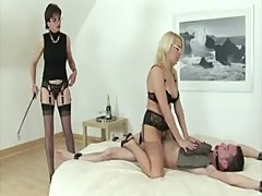Mature brit ffm threesome fuck handjob cumshot