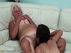 Dirty old lesbian gets her pussy licked