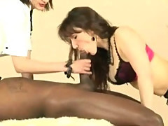 Black guy gets sucked off by mature slut and eats pussy