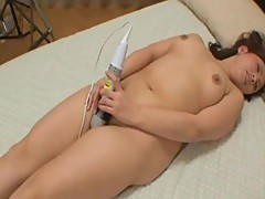 Japanese MILF Mai Ishiduka Enjoys Pussy Pleasures