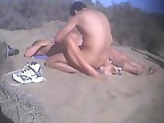 Dogging in the beach (semecaelababa,com)