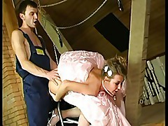 Bride before the wedding anal
