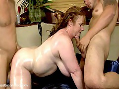 Slutty plump milf seana rae fucks her sons friends - 1 8